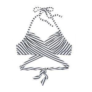 ✨2for$15✨ // Victoria's Secret Wrap Top in Stripe